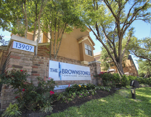 The Brownstones Townhome Apartmentsdallas